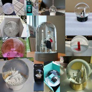 Classics Original Snow Globe Bague / Bouteille de parfum / Arbre de Noël / Caratouse / Christianbear Inside Boule de cristal cadeau de Noël avec boîte-cadeau