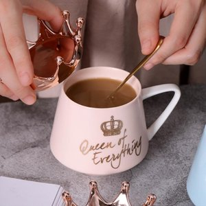 Taza de cerámica de la corona creativa rosada taza linda de café taza de leche nórdica con tapa de café taza de café tazas de agua regalo de los recuerdos del día de fiesta