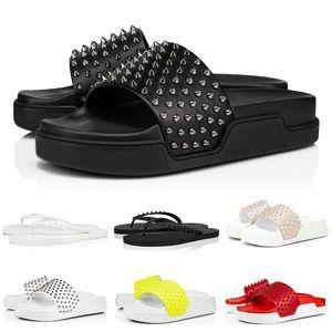2021 جديد الأحمر أسفل النعال رصع المسامير الوجه يتخبط الرجال النساء الصنادل الصيف شاطئ منصة النعال مصمم الأحذية عارضة مع مربع