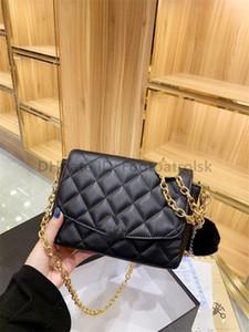 2021 الفاخرة مصمم سيدة الأزياء حقائب الذهب العملات الصليب الجسم الفني حبة حقائب الماس شعرية سلاسل النساء خمر عملات الكتف حقائب