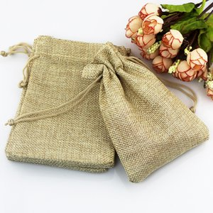 Hot 50 Pcs Lot 7*9cm Khaki Color Natural Burlap Linen Jewelry Travel Storage Pouch Mini Candy Jute Packing Bags for Gift Bag Y1202