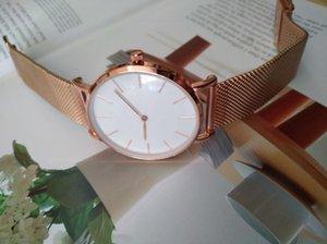 Relojes altos Cuarzo Mujeres Números de 40 mm Relojes de lujo Bling Hombres de calidad de diamante para 32mm Gold Fashion Wristwatches Roman TJNGV