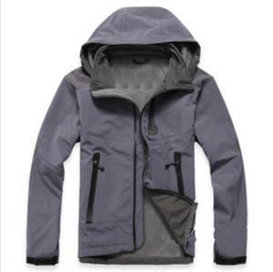 Высококачественные зимние мужчины на открытом воздухе Спортивная одежда Softshell мужская куртка ветрозащитный водонепроницаемый дышащий открытый слои S-XXL