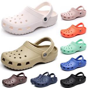 2021 Nuove scarpe classiche per buco Slides Uomo Donne Donne Pantofole in Wading Triple Bianco Black Rosa Office Royal Mens Comodo Sandali all'aperto a un passo