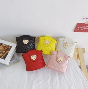 Designer Kids Diamante Lattice Crossbody Bag Meninas Amor Coração Metais Um Saco De Ombro Luxo Dia dos Namorados Crianças Festa Bucket Saco A5460