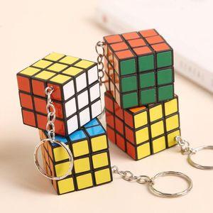 3cm mini cube de puzzle avec chaîne clé Cubes magiques intelligence jouets enfants cadeaux puzzle jouets jouets
