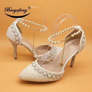 Белый / бежевый / Royal Blue / Fuschia Peart Wedding Обувь невеста Высокие каблуки заостренные носки Насосы женские Вечеринки Обувь лодыжки ремешок обувь LJ201112