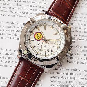 Vente chaude de luxe montre en acier inoxydable case cuir machine machines de sport mode de haute qualité Boutique Watch populaire