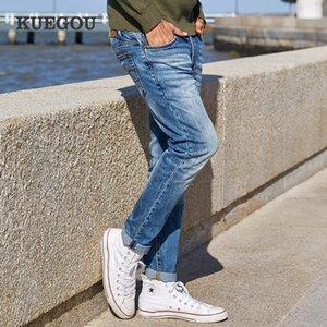 Kuegou Cotton Spandex Hombres Casual Blue Jeans Moda de hombre estilo coreano tipo Slim Jeans Pantalones Tamaño KK-2923 201111
