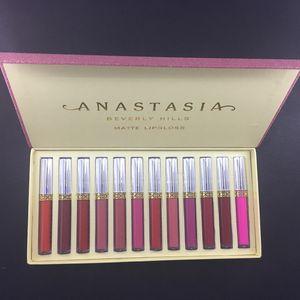 New Fashion Designer makeup liP gloss 12color set maquillage brand make up matte lip gloss makeup set