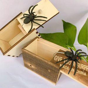 مزحة الخفية مربع العنكبوت اللعب نكتة سيليكون تعطيك مفاجأة صناديق خشبية صغيرة لعبة هدية فخمة شحن مجاني 3 5BY M2