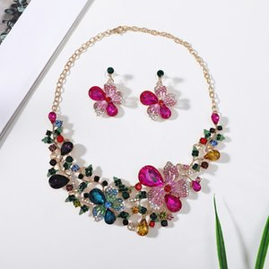 Designer Diamond Necklace Jewelry Sets Crystal Flower Stud Earrings Necklace Set Fashion Alloy Exaggerated Women Girl Statement Necklace