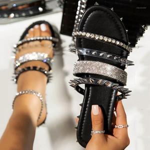 새로운 여름 여성 플랫 신발 로마 크리스탈 리벳 캐주얼 라인 석 슬라이드 여성 신발 숙녀 신발 Sandalias 플립 플롭 20201