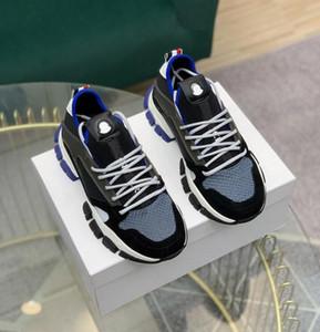 2021 Top Quality Italian Designer Mens Hi Top Sneakers Itália Triple S Couro de Couro Plataforma Treinadores Preto Branco Casual Loja Laces Sapatos