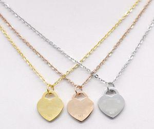 Novo Design Exclusivo Mulheres Jóias Titânio Aço Excelente Qualidade Pingente Collar T Coração Amor Colares GD1181