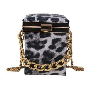 Fashion Shoulder Crossbody Bags Woman Evening Bag Trunk Shape Hot Selling Designer Bags 2020 Retro Special Parttern High Quality Popular