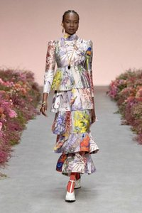 Popular logo 2020 winter new fashion style elegant stand collar long sleeve waist printing layer cake skirt