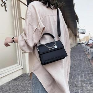 Pequeño bolso cuadrado de la señora 2020 Bolsa de cadenas nuevas Casual All-Father Femenino Bolso Hombro Moda Mujer Cruz Cuerpo Negro