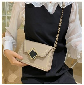 Factory outlet brand women handbag sweet foreign style printing hard box bag personality gold buckle decoration women Chain bag personali