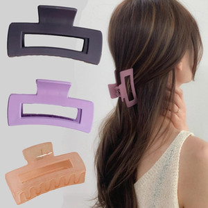 Hair Accessories Hollow Simple Grasping Female Hairpin Hair Claw Headdress Pure Color of The Wash Face Bath Medium Clip