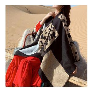 Fle Fle Factory Wholesale Retro estilo étnico Split Sart Shawl Mujeres Travel PROTECTOR DE SOL TERMENTO SCOMF COBOK PONCHO