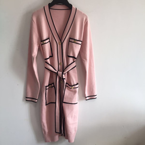 1110 envío gratis 2020 otoño marca el mismo estilo manga larga regular en v cuello kint suéter rosa cardigan botón mujer ropa