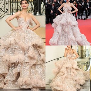 Champagne Luxury Prom Dresses Sweetheart Lace Sequins Feather Tiered Skirts Ruffles Evening Gowns Formal Wear Celebrity Gown Party Dress