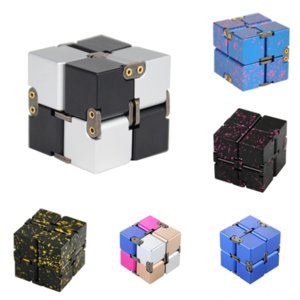 DLG5J Love Love Cube Dritto Edge Liquid Pro Metal Infinito Cube Custodia Rubik per il telefono Gear Rubik's Decompressione Cubo Silicone alluminio