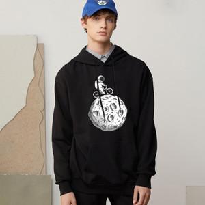 Flying Astronaut Men Sweatshirts Cartoon Printing Clothing Vintage Fashion New Hoodies Autumn Fleece Hoody Pullover Hoodys Men's