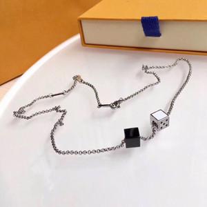 Collier designer Collier plaqué bijoux Love Clavicule Chaîne avec rose Gold Platinum Simple et Fashion Femme Cadeau d'amour