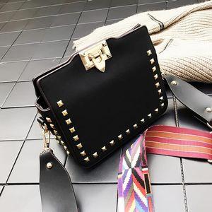 Newset Fashion Shoulder Messenger Bag Women's New Postman Handbag Versatile Rivet Bags Retro Small Square Bag