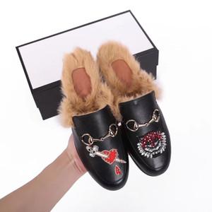 Nuovo uomo donna pantofole di lana calda semestre maschile mezza pantofole con autentiche pantofole in metallo piatto in metallo piatto in pelle di vacchetta morbida
