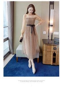 2021 Sexy A Line Nouveau Robe de lacets de maille rétro de la jauge de maille rétro Polka Dot Puff manches longues à la taille haute taille robe de soirée sexy femme