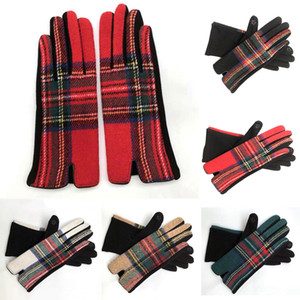 Women Plaid Warm Gloves Fashion Cycling Winter Mittens Outdoor Wool Check Warmer Drive Mittens Grid Gloves Party Favor Supplies DHA2789