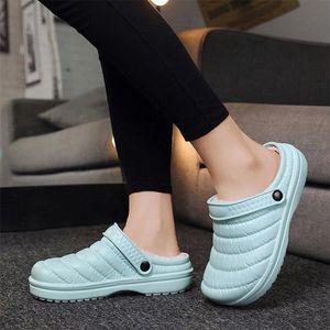 Frauen Kurze Plüsch Winter Hausschuhe Damen Warme Wohnungen Plarform Schuhe Weibliche Slip-on Wasserdichte Schuhfrau Rutschfeste Lässige Mode # O17U