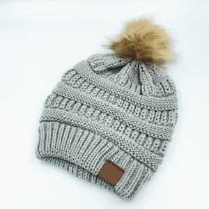 Winter New Men Women Hairball Woolen Hat With Label Knitted Male Lady Warm Cap Casual Outdoor Fashion Hats 13 COLOR