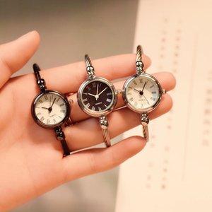 Europa e Stati Uniti Simple Fashion Small Fresh Retro Watch Orologio da polso Open Type Braccialetto Braccialetto da donna Versatile Versatile