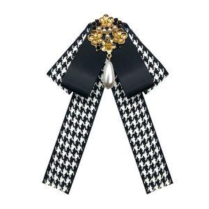 Wholesale Hot sale Bow Tie Vintage Cameo Lady Head Diamod Ribbon Tassel Brooch Chic Girls Elegant Costume Jewelry Collar Pin Girl Cravat