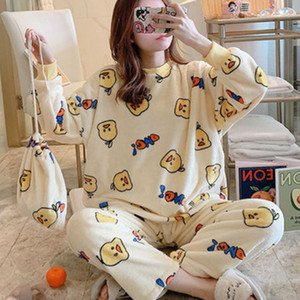 Pyjamas Flannel Femmes Set chaud Velvet Velvet Colonale Lady Fête Home Homewear Dessin animé Pajamas Costume M-2XL Y0112