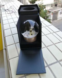 Klassiker Goldene Schneekugel mit Parfümflasche innen 2019 Schneekristallkugel für besondere Geburtstag Neuheit Weihnachten VIP Geschenk