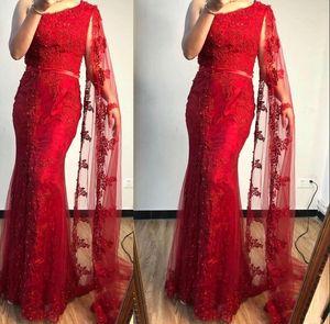 2021 Новые длинные вечерние платья носить темно-красные кружевные кристаллические бусы жемчуги разделить одно плечо с накидным вечерним платьями Формальные женские выпускные платья