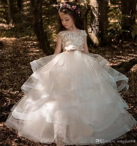 2021 Arabic Floral Lace Flower Girl Dresses Ball Gowns Child Pageant Dresses Long Train Beautiful Little Kids FlowerGirl Dress Formal