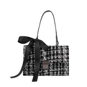 Bolsas de Messenger de lana de alta calidad Popular Negro Blanco Lattice Female Bolso Vintage Crossbody Bolso Mujer Bolsa de Hombro Marca
