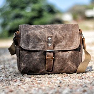 MUCHUAN Mens Vintage Oil Wax Canvas Leather Shoulder Bags Shockproof DSLR Camera Bag Waterproof Canvas Crossbody Bags Russian