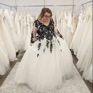 Plus Size Wedding Dresses Black Lace White Ivory Tulle Long Sleeve Corset Back A Line Floor Length Bridal Gowns Vintage Custom Made