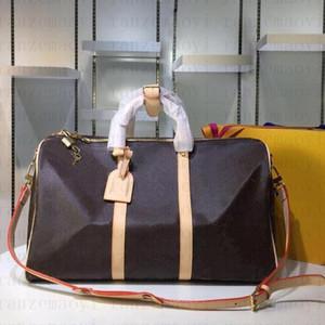 2020 hommes Sac de Duffle Femmes Sacs de voyage Sacs à bagages Designer Sac de voyage Hommes Pu en cuir Sacs à main Grand Cross Body Sac Toter 55cm A61