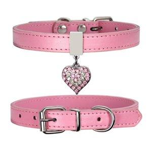 Haustier Hundehalsband mit Diamant Herzglocken Verstellbare Hunde Katzen Halsbänder XS-M Mode PU-Welpen-Halsbänder