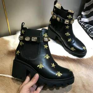 Amor arrow Medalla gruesa antideslizante de los zapatos de invierno de las mujeres de la plataforma de las abejas de las mujeres botas del desierto de la señora de las botas del tobillo de cuero alto zapatos de talón