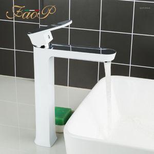 FAOP Hohe Waschbecken Wasserhahn Weiß Badezimmer Waschbecken Wasserhahn Wasser Mischer Deck montierte Badewanne Wasserfall Tap Torneira do Anheiro A1099-81