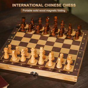 Grands échecs magnétiques Ensemble de jeu d'échecs pliants en bois Felteté Board de jeu Stockage intérieur Enfants cadeaux cadeau famille